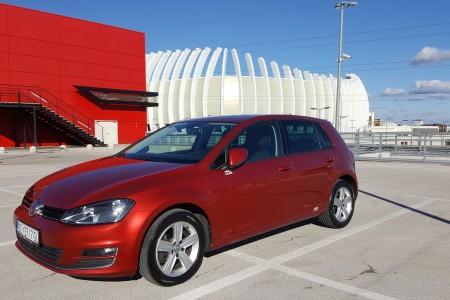 Volkswagen Golf VII 1.6TDI-DSG F1- HIGHLINE – MASAŽA SJEDALA- NAVIGACIJA-