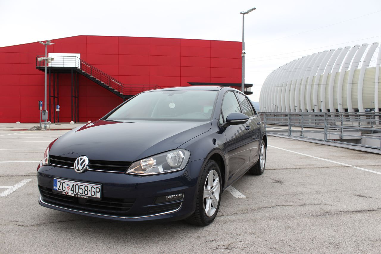 volkswagen golf vii 1 6 cr tdi highline panorama. Black Bedroom Furniture Sets. Home Design Ideas