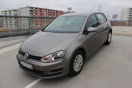 Volkswagen Golf VII 1.6 BMT NAVIGACIJA –SENZORI– AKTIVNI TEMPOMAT –