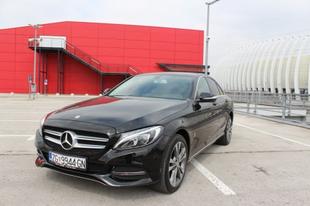 Mercedes-Benz C200 BLUEtec -AUTOMATIK-BI XENON-LED-KOŽA-NAVIGACIJA – KEYLESS GO –NEW MODEL-