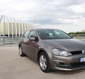 Volkswagen Golf VII 1.6 CR BMT-HIGHLINE – NAVIGACIJA -TEMPOMAT ACC– SENZORI 360 –
