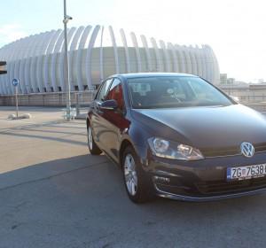 Volkswagen Golf VII 1.6 TDI-HIGHLINE -MASAŽA SJEDALA -NAVIGACIJA-KEYLESS GO – SENZORI – AKTIVNI TEMPOMAT (ACC) –