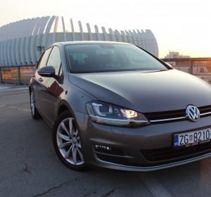 Volkswagen Golf VII 2.0TDI 150KS – HIGHLINE- BI -XENON – NAVIGACIJA-TEMPOMAT – MASAŽA SJEDALA – KAMERA