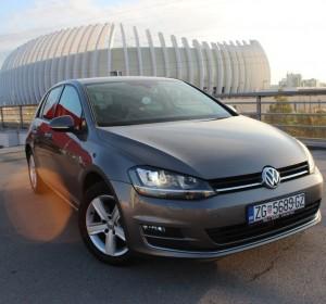 Volkswagen Golf VII 2.0 Carat Edition – 150KS -HIGHLINE-XENON-NAVIGACIJA- ACC TEMPOMAT-KEYLESS GO –