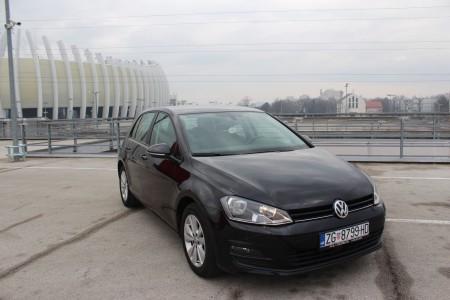 Volkswagen Golf VII 2,0 BMT- 150KS – NAVIGACIJA – ACC – SENZORI –