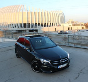 Mercedes – Benz B180 d – AMG Line -BlueTEC NIGHT-PAKET-PANORAMA-KOŽA-NAVIGACIJA-BI XENON- PARK ASSIST –