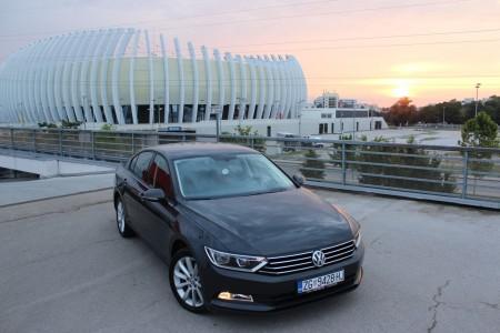 Volkswagen Passat 2.0 BMT – Navigacija – Senzori – Grijanje sjedala – 64000 km –