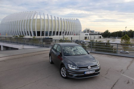 Volkswagen Golf 1.6 BMT 115 KS – Comfortline – Novi model – Navigacija – Aktivni tempomat – Parkirni senzori