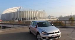Volkswagen Golf VII 1.6 BMT NAVIGACIJA – SENZORI 360°– AKTIVNI TEMPOMAT – PARK ASSIST – MF tipke –