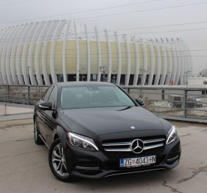 Mercedes-Benz C 220 BLUEtec – Automatik –  Avangarde – Bi Xenon – Profesionalna navigacija –