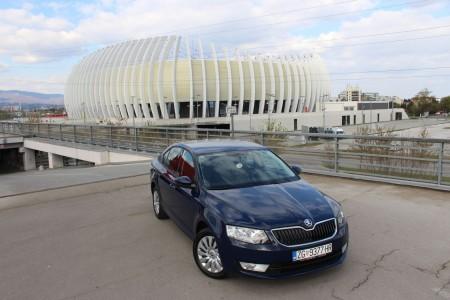ŠKODA OCTAVIA 1.6 TDI – AMBITION – Navigacija – Senzori – Klima – Mf volan – 12/2014