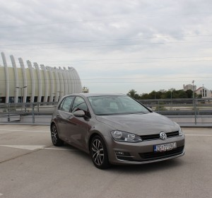 Volkswagen Golf VII 1.6 CR- HIGHLINE – Carat Edition –